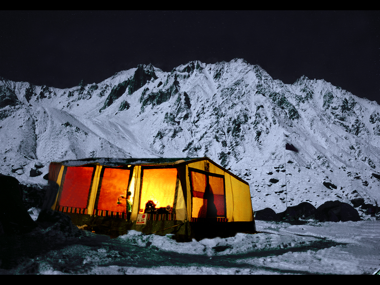 Noc w bazie pod Nanga Parbat