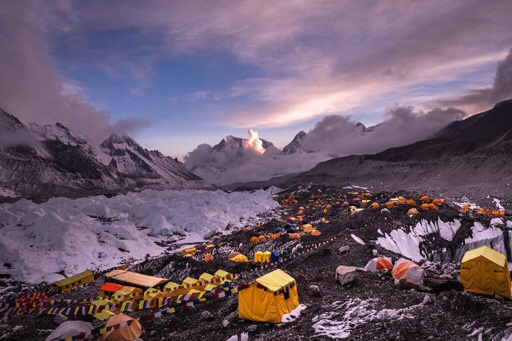 baza główna pod Everestem