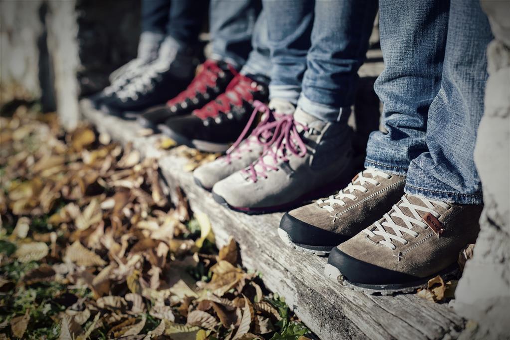 Jak wybrać buty trekkingowe damskie blog Skalnik