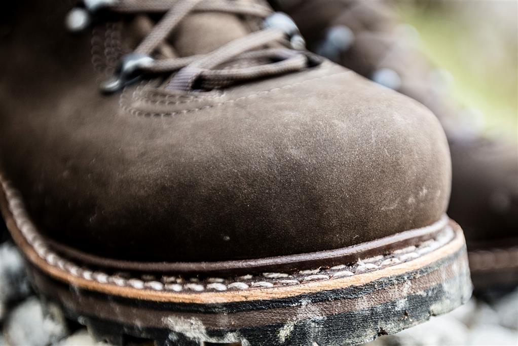 buty górskie zamsz