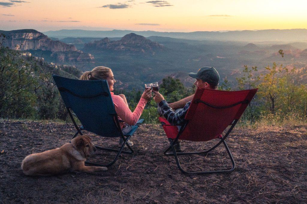 Krzesła turystyczne z oparciem