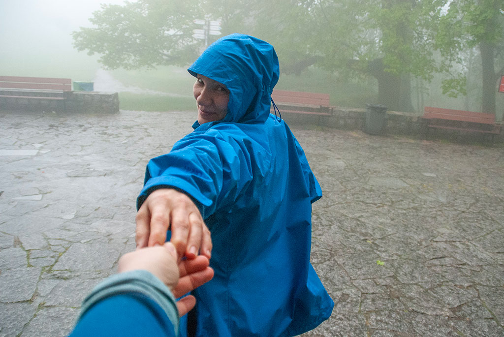Trzymamy się za rękę we mgle