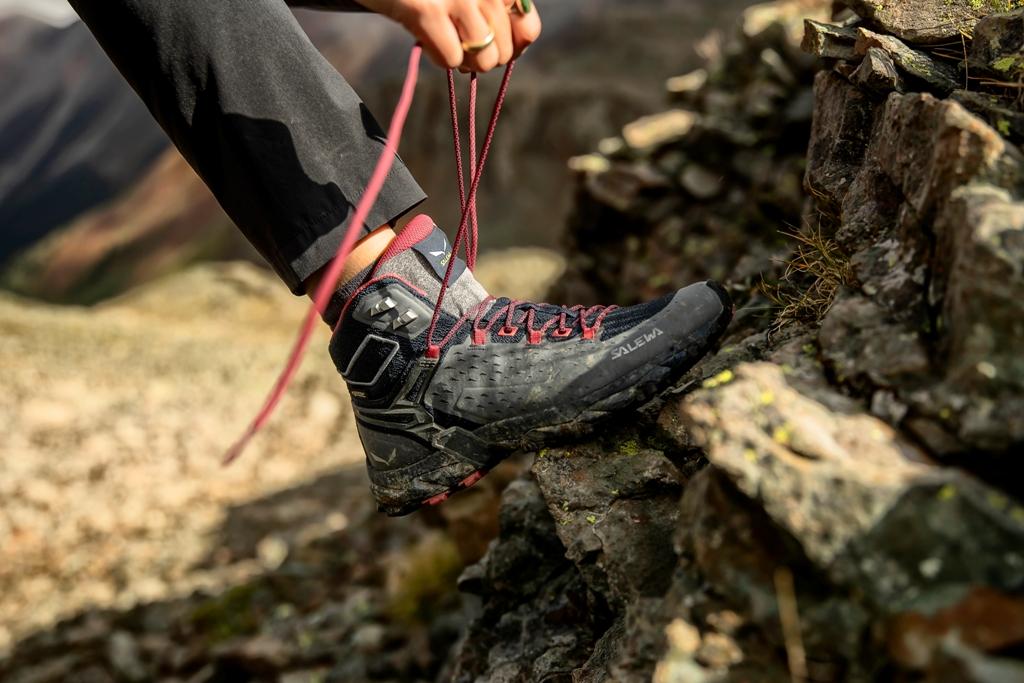 Buty trekkingowe sznurowanie