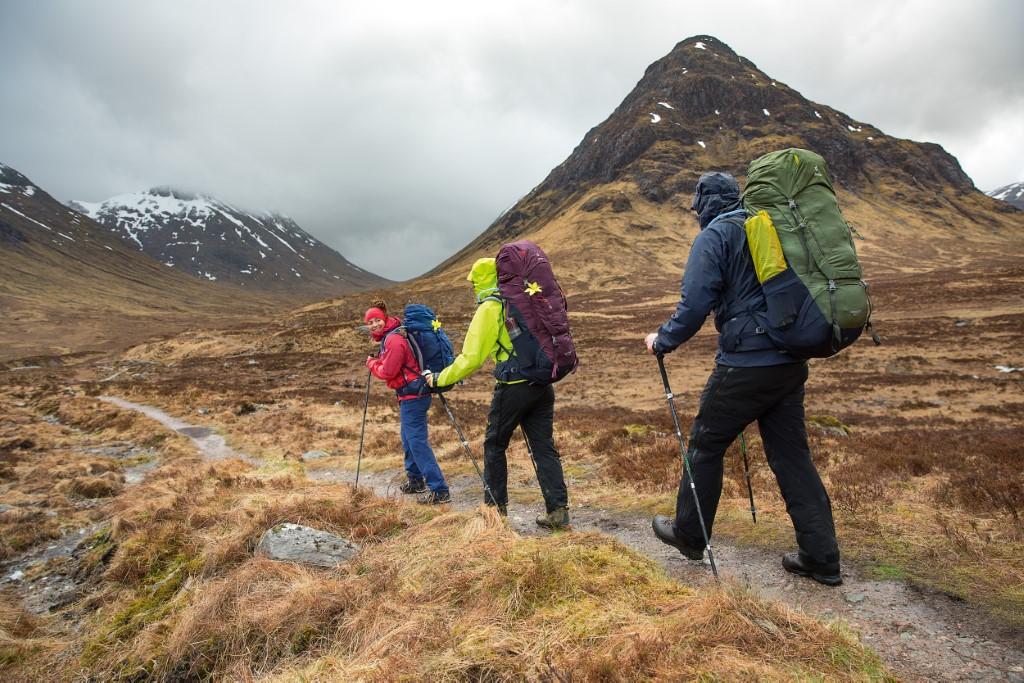 kije trekkingowe ciężki plecak