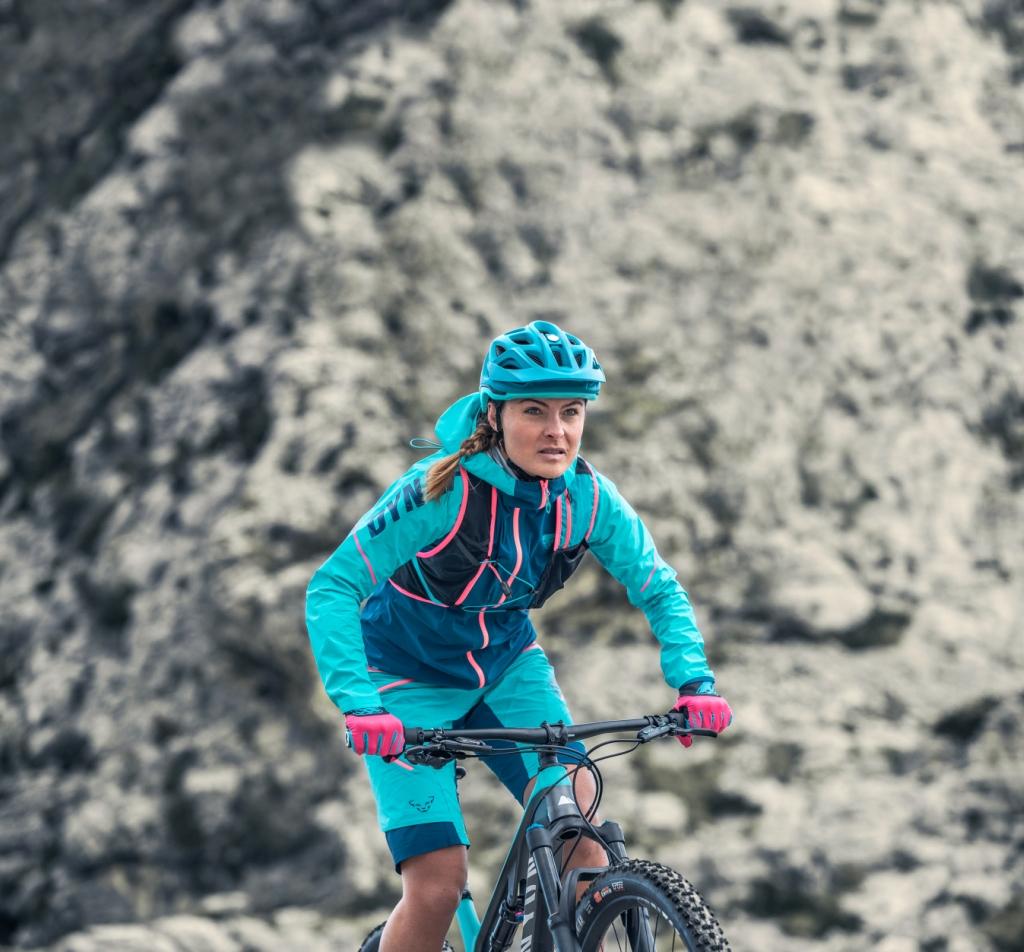 Kurtka przeciwwiatrowa na rower